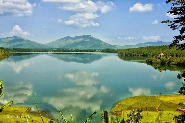 Hồ Ayun Hạ