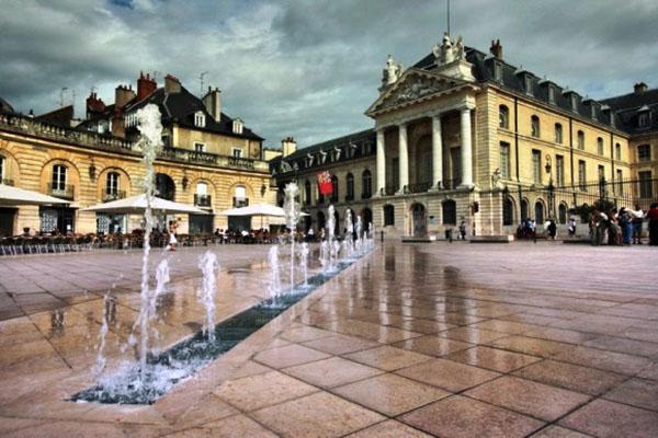 Pháp thơ mộng, lãng mạn