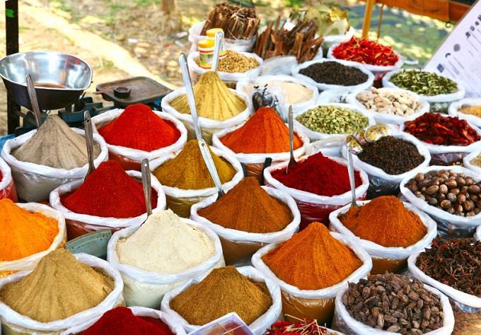Sử dụng nhiều loại gia vị khác nhau trong một món ăn