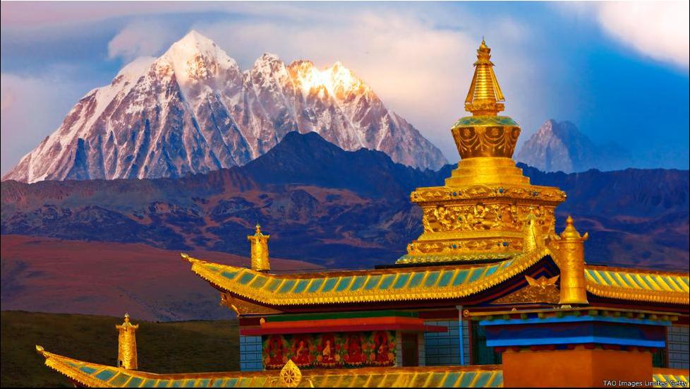 Vé máy bay giá rẻ khám phá Tây Tạng