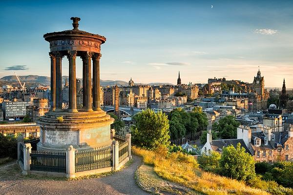 Edinburgh Vé máy bay đi Anh