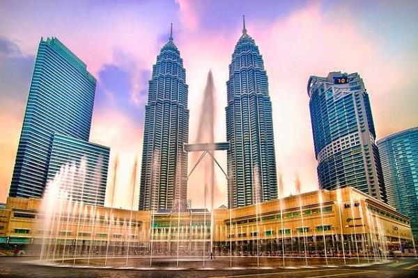 Petronas vé máy bay đi malaysia