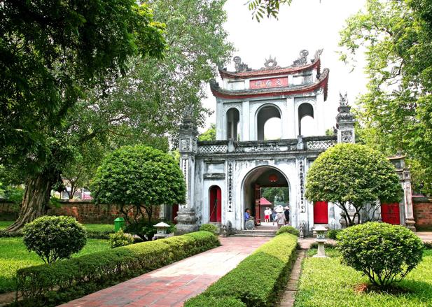 Vé máy bay từ TPHCM đi Hà Nội - Văn Miếu
