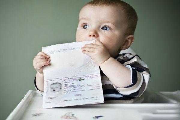 Các loại giấy tờ cho trẻ em khi đi máy bay