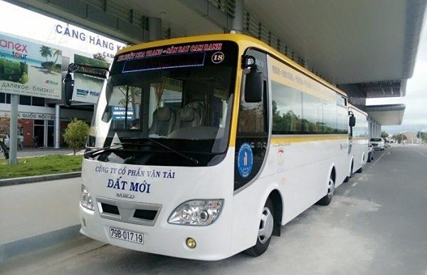 Xe bus sân bay Cam Ranh