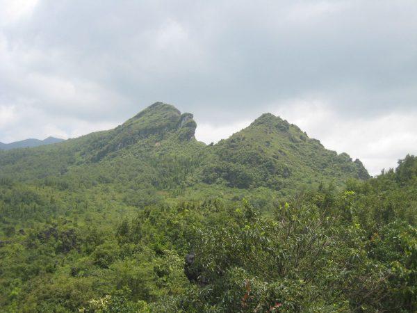 Núi Hàm Rồng Núi