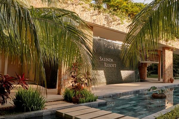 Salinda Resort chiếm trọn điểm 10 trong lòng du khách với không gian xanh mát, trong lành